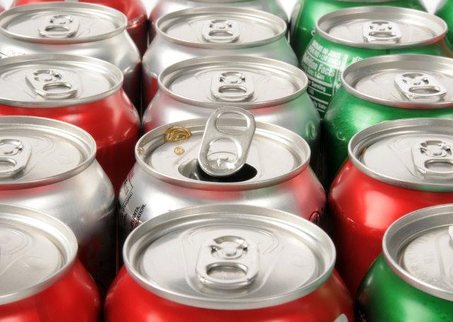Beber refrigerante é o novo fumar, afirma estudo