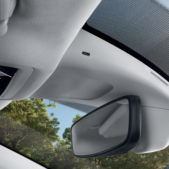 USB-C in the rear view mirror