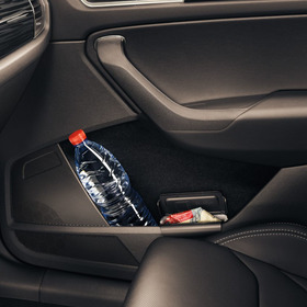 Easy-open cup holder