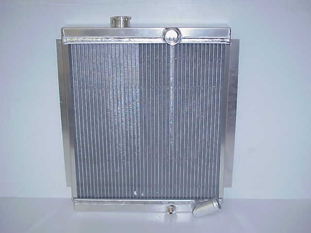 716684 : RADIATOR-JEEP 66-71 CJ5 GM  W/AUTO TRANS