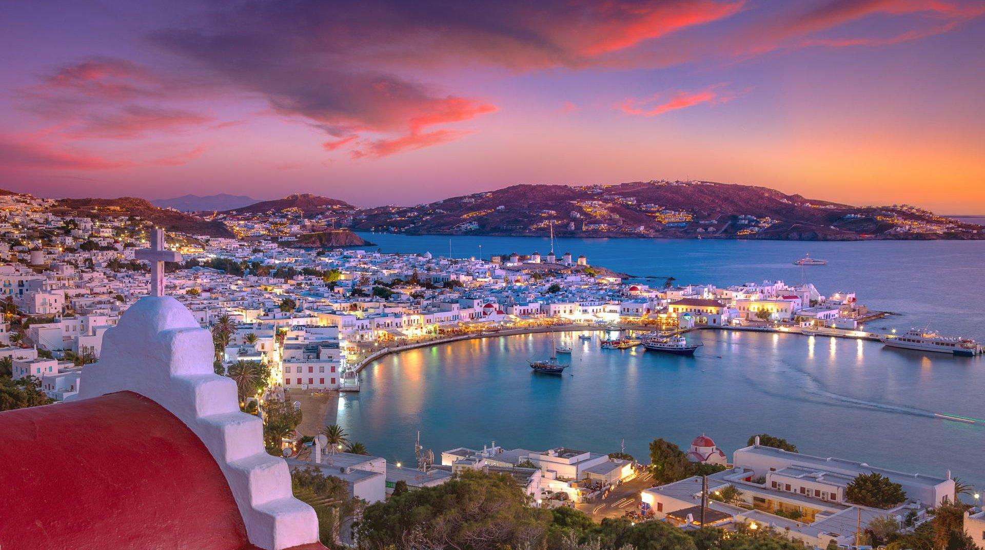 Η θέα του νησιού από την περιοχή της Χώρας