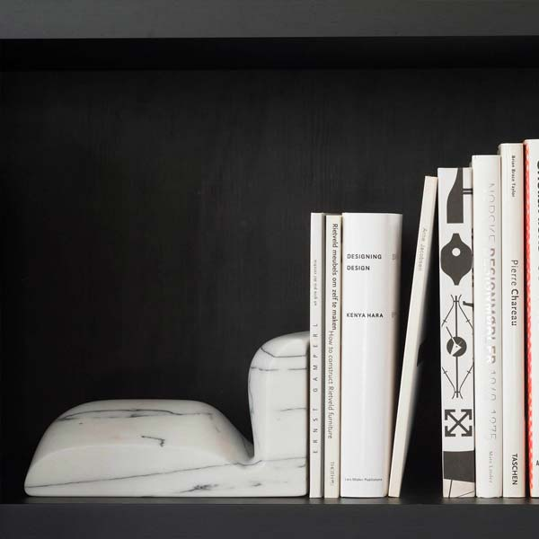 collection particuliere, a family of essential objects telling a common, luxurious story