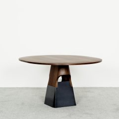 Delcourt Collection – ISA table ©Pierre Even