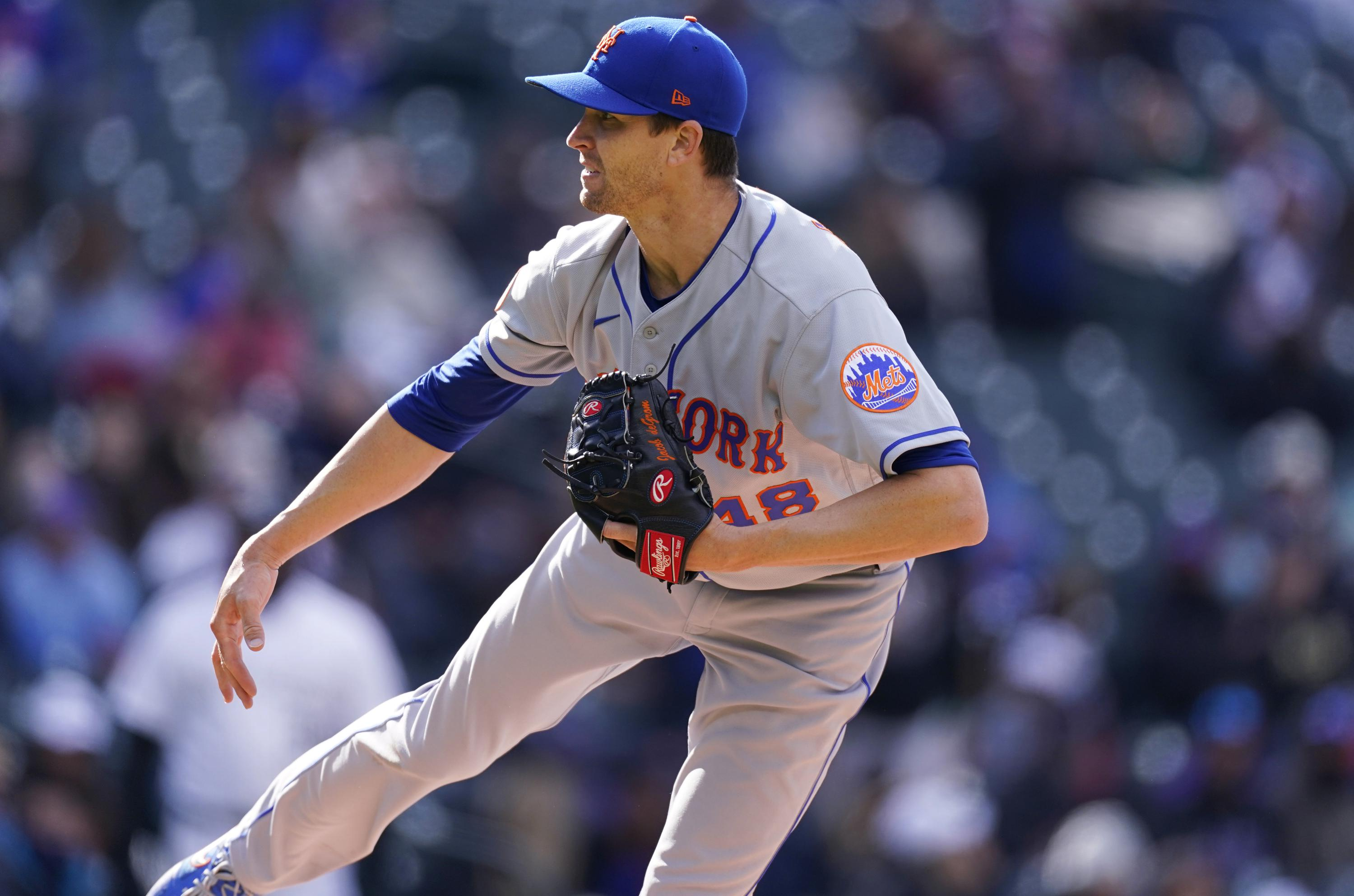 LEADING OFF: Mets' deGrom faces Nats, Kershaw vs Darvish