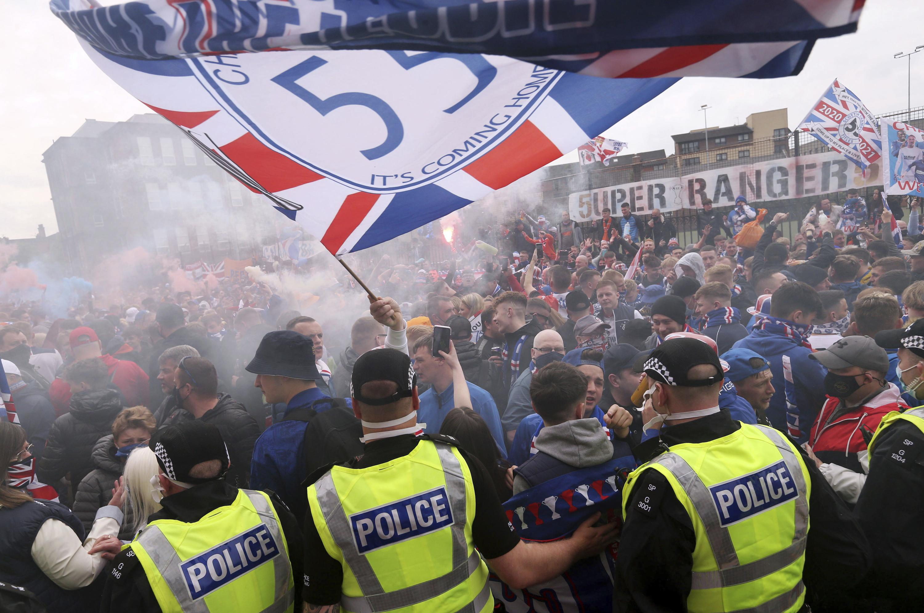 Rangers fans told to disperse amid Scottish title revelry