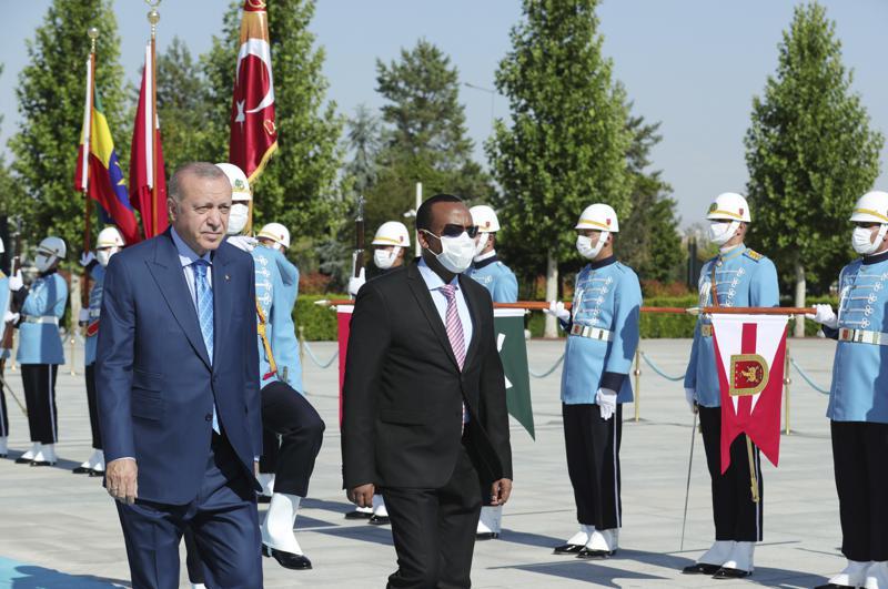 Erdoğan ve Ahmed.