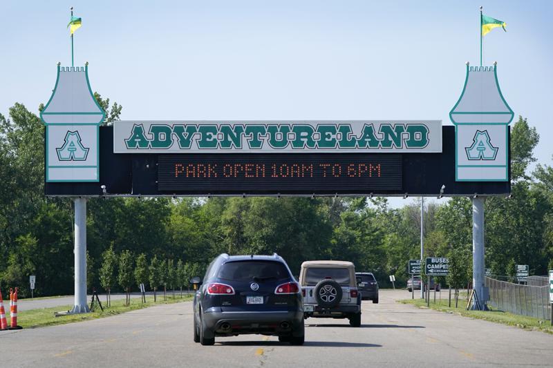 Regulator Halts Iowa Amusement Ride After Accident Kills Boy