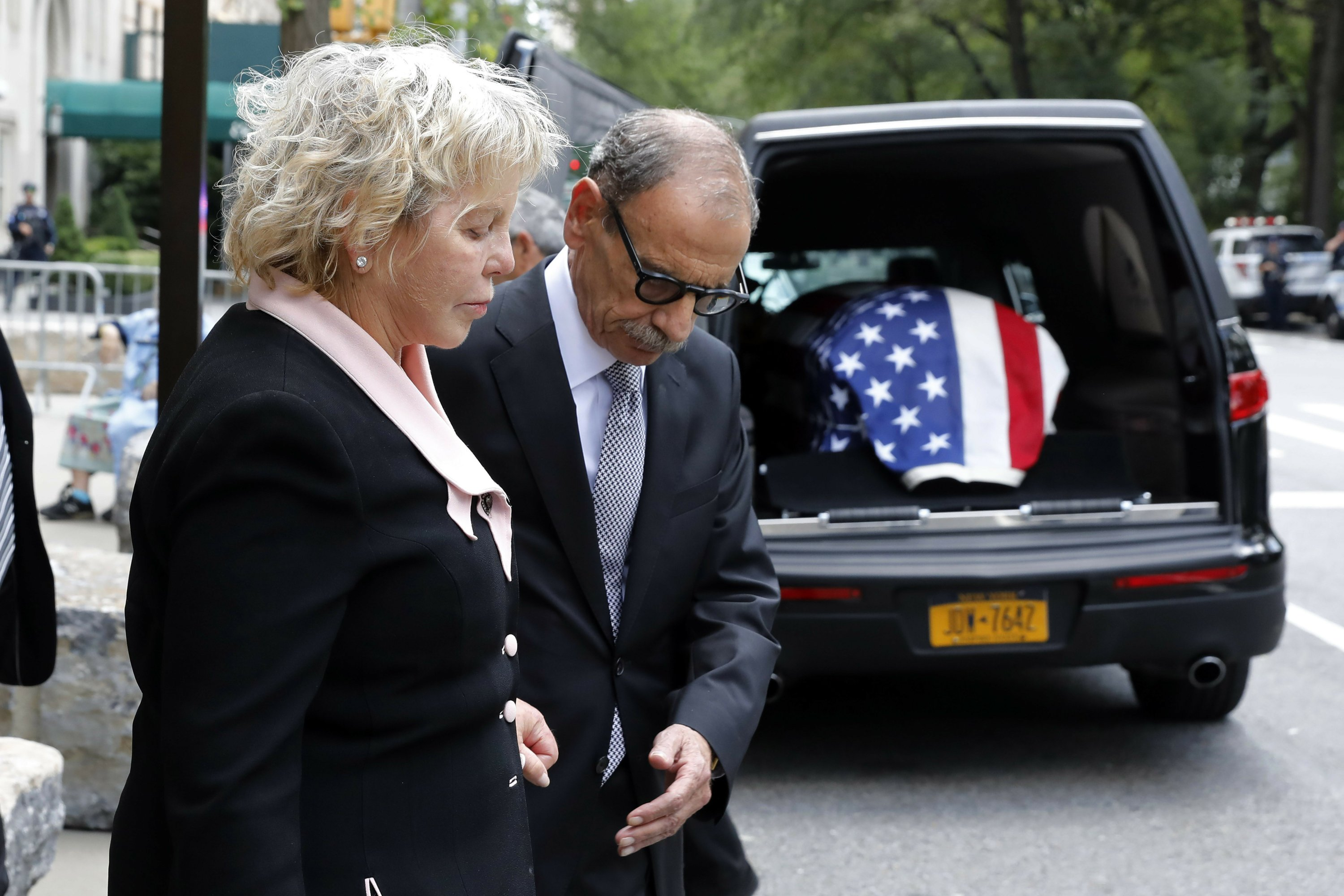 sotomayor pays tribute at mentor robert morgenthau s funeral sotomayor pays tribute at mentor robert