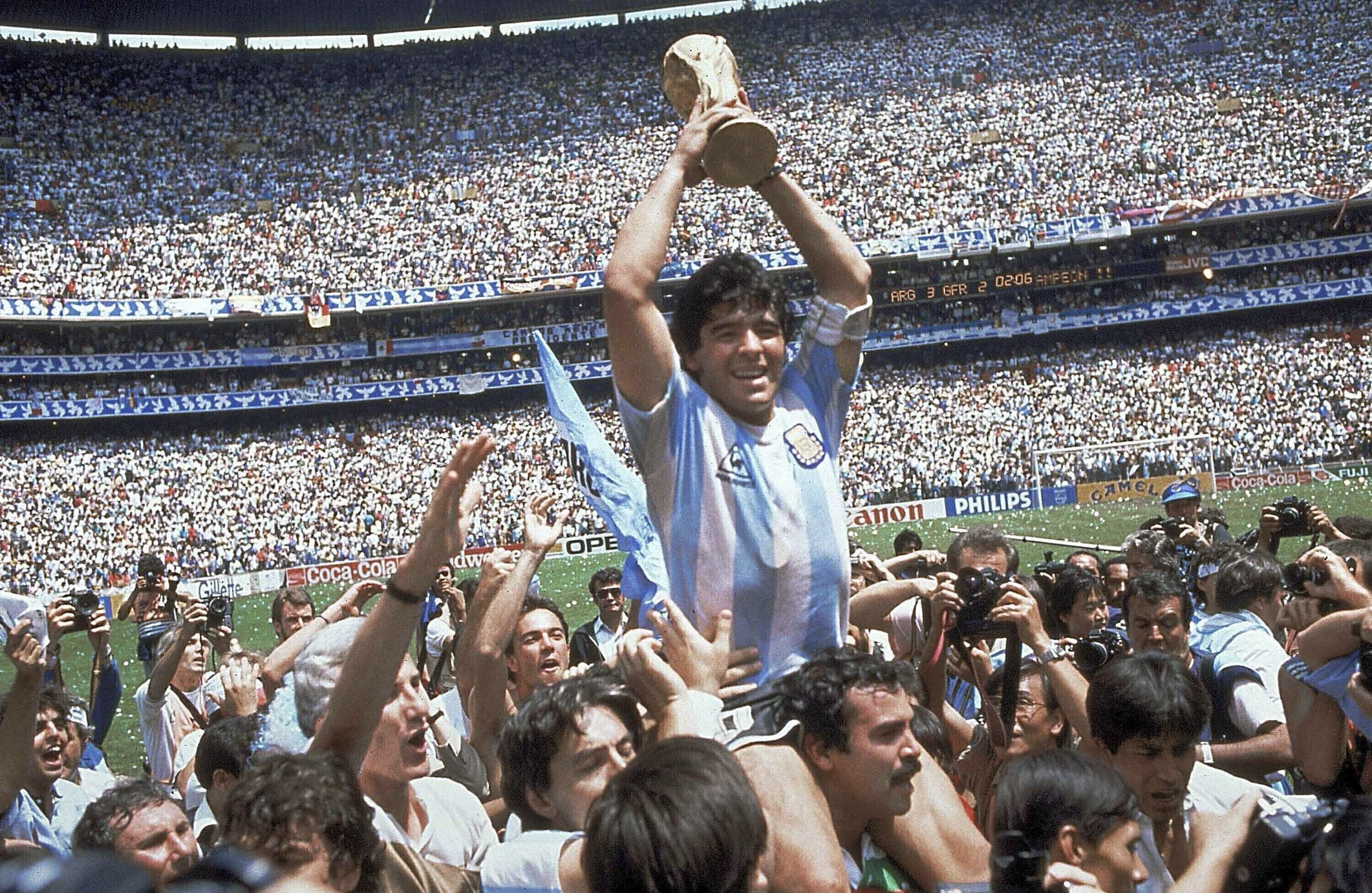 Argentine soccer great Diego Maradona dies at 60 – The Associated Press