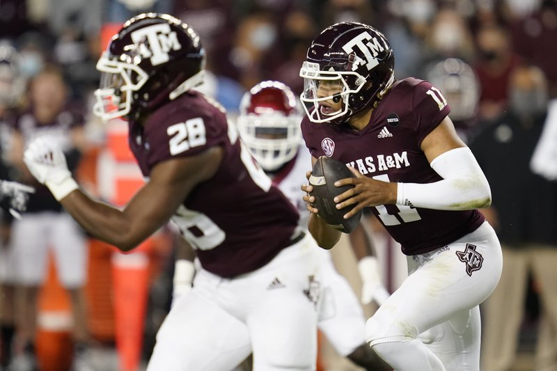Mond Leads No 8 Texas A M To 42 31 Win Over Arkansas