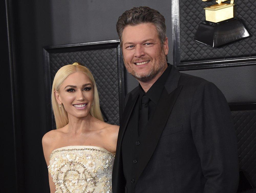"""The Voice"" co-stars Blake Shelton and Gwen Stefani get engaged"