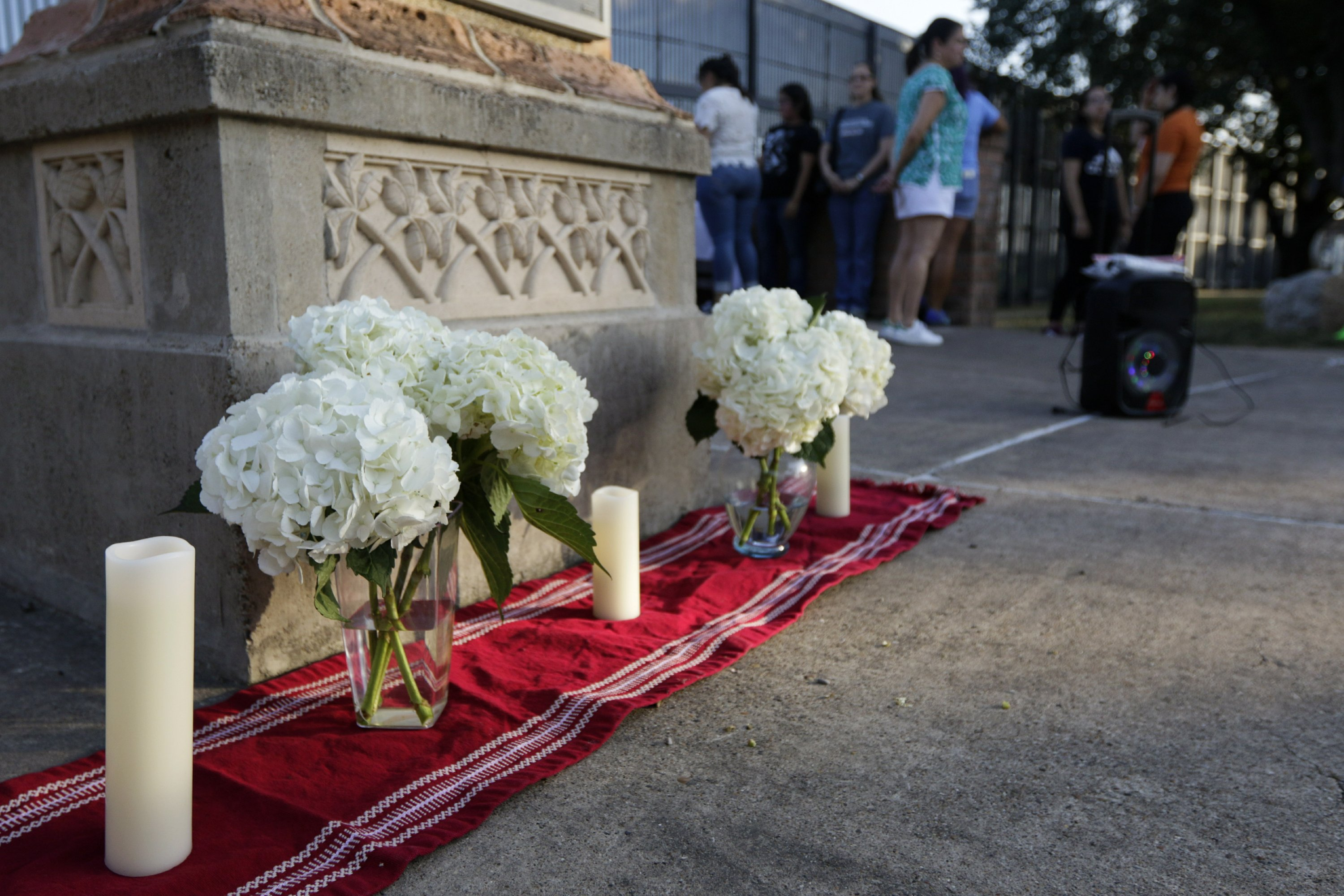'El Paso strong': Public memorial to honor shooting victims