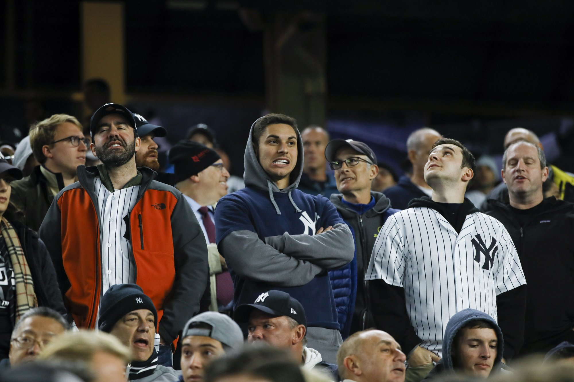 Greinke says he didn't hear taunts, Astros quiet Yanks crowd