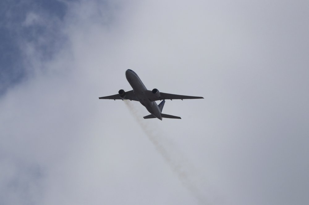 Carriers flying 777s planes with the type of engine that blew apart said they would temporarily pull them from service