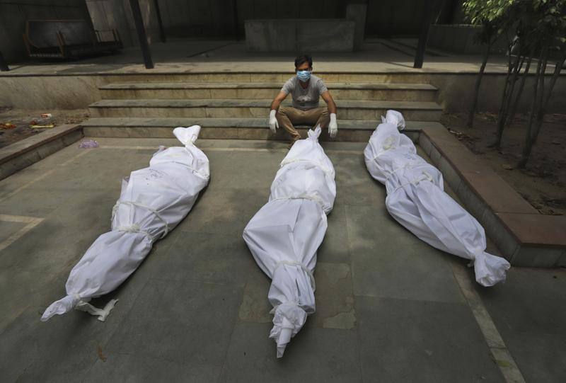 India's last count: 200,000 dead, probably many uncounted