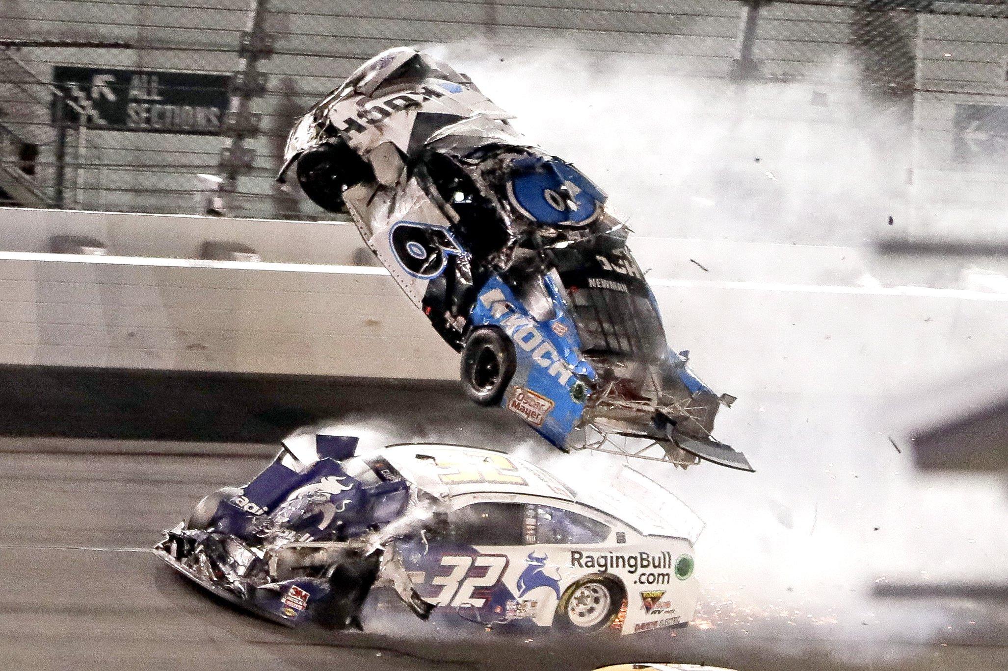 Hamlin and Newman contrast risk and reward at Daytona 500