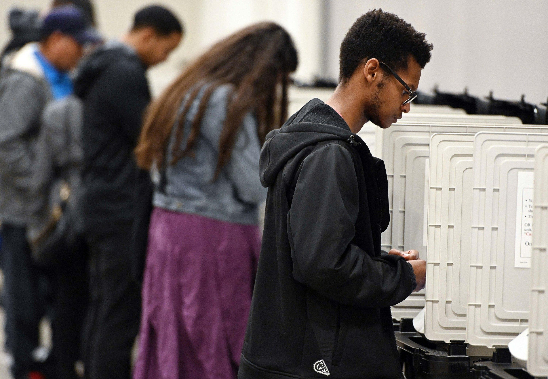 <b>Judge: Georgia must scrap old voting machines after 2019</b>