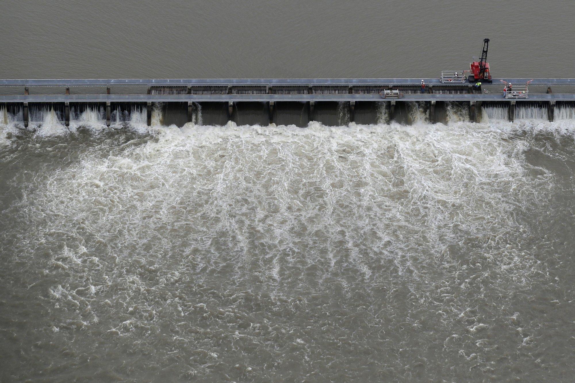 No swimming: Toxic bacteria afflicts Mississippi coast
