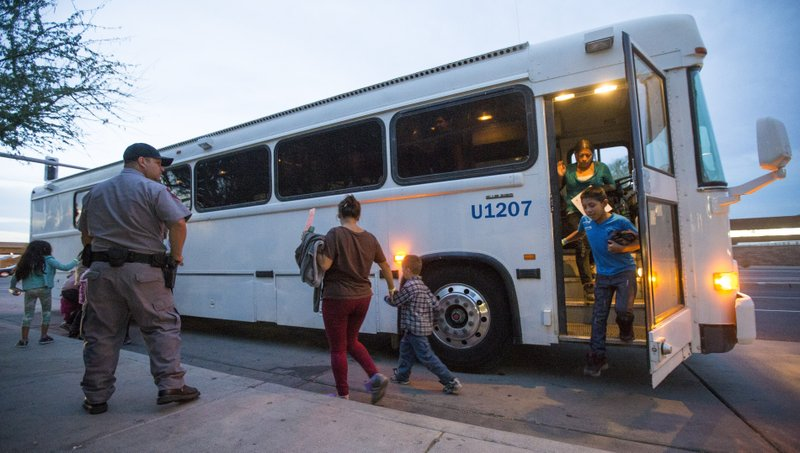 Ap Exclusive Agency Memo Contradicts Greyhound On Bus Raids