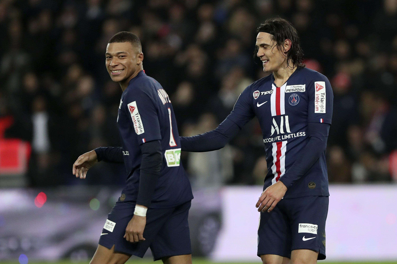 Cavani Staying At Psg This Season Rennes Signs Nzonzi