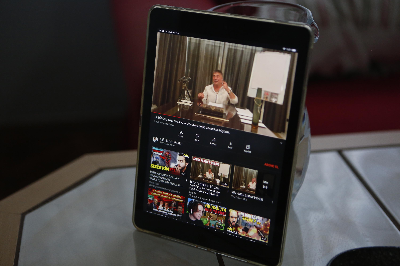 Turkish mafia boss dishes dirt, becomes YouTube phenomenon