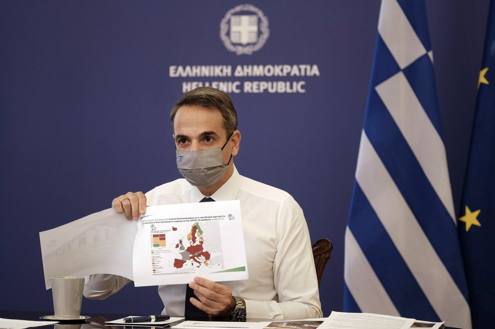 "Greece imposes nationwide lockdown to avoid ""unbearable"" pressure at hospitals"