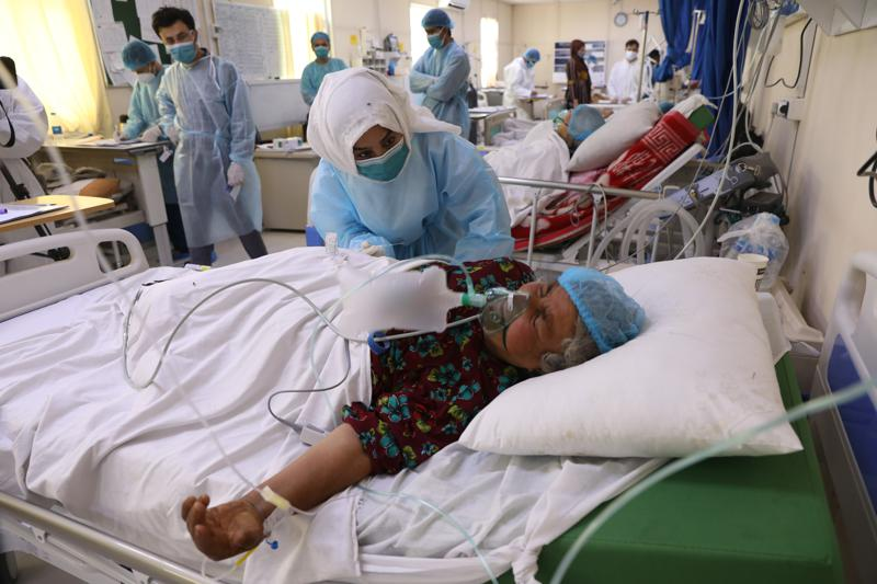 Amid brutal case surge, Afghanistan hit by a vaccine delay, Harbouchanews