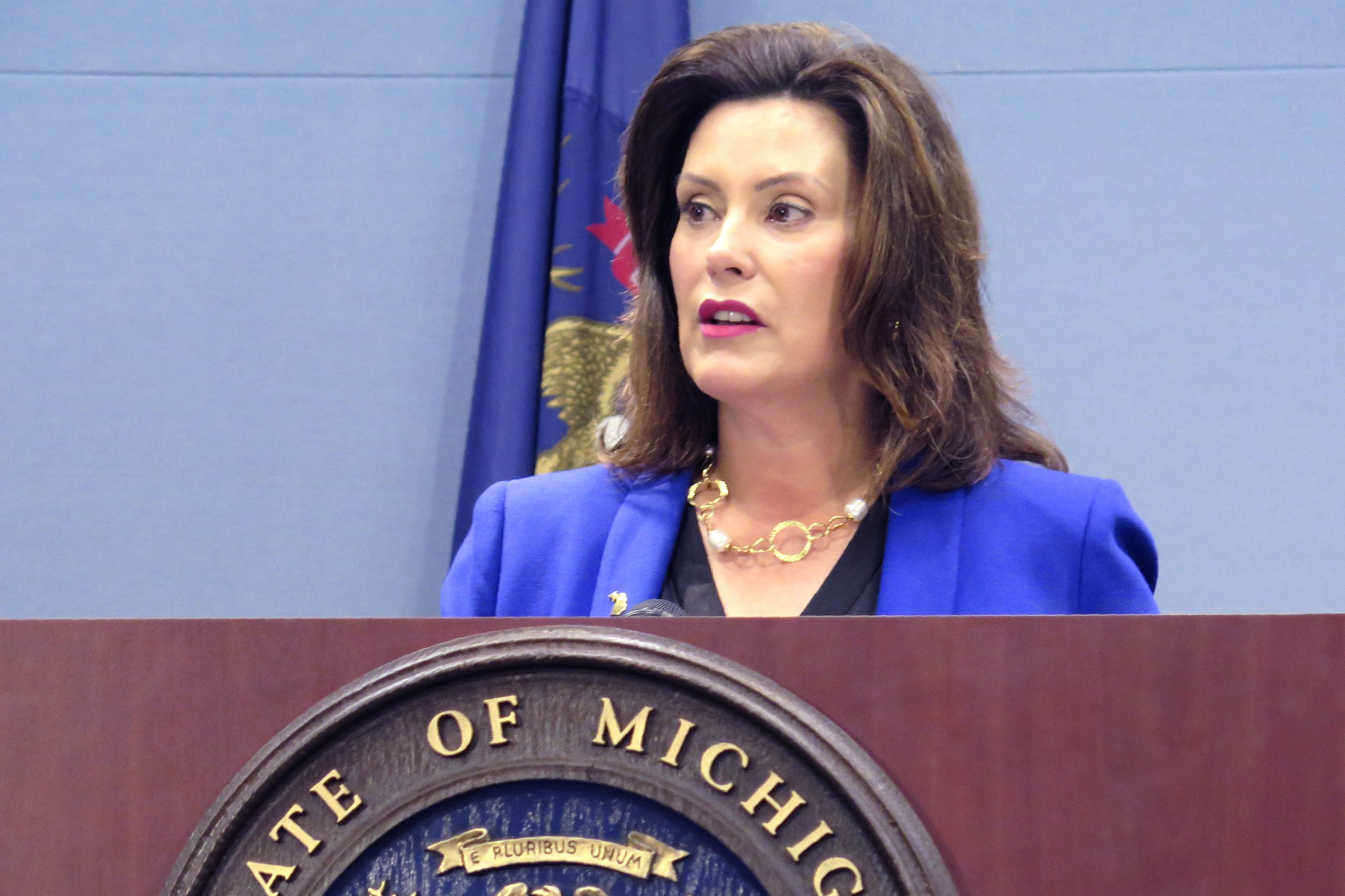 Michigan Governor Signs Budget With 1b In Line Item Vetoes