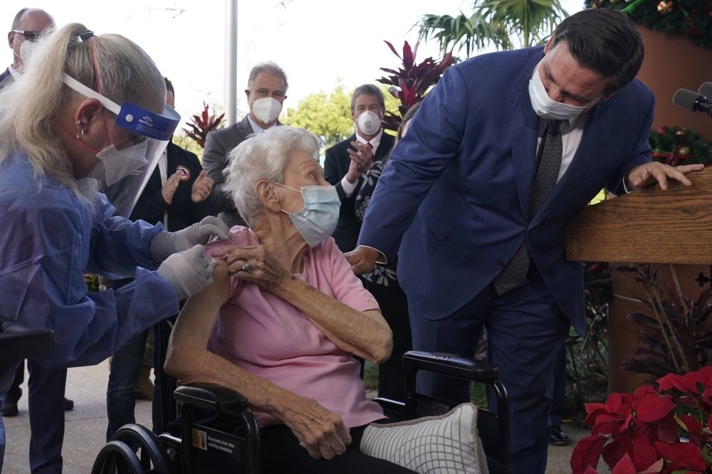 Florida governor recognizes 1 millionth senior to get vaccine shot