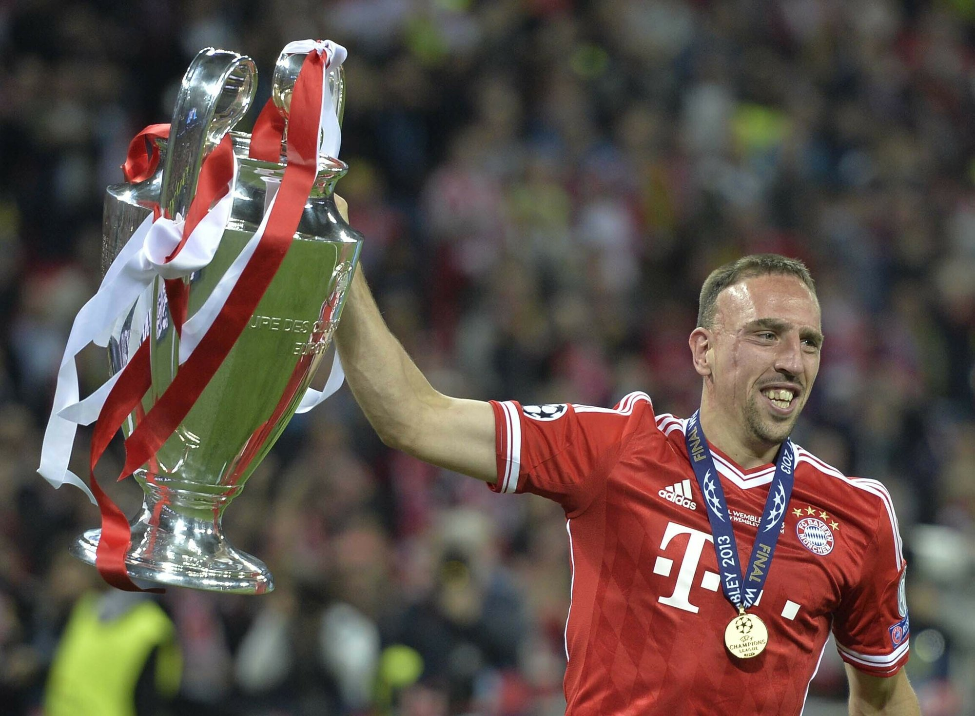 Franck Ribery signs for Fiorentina on free transfer