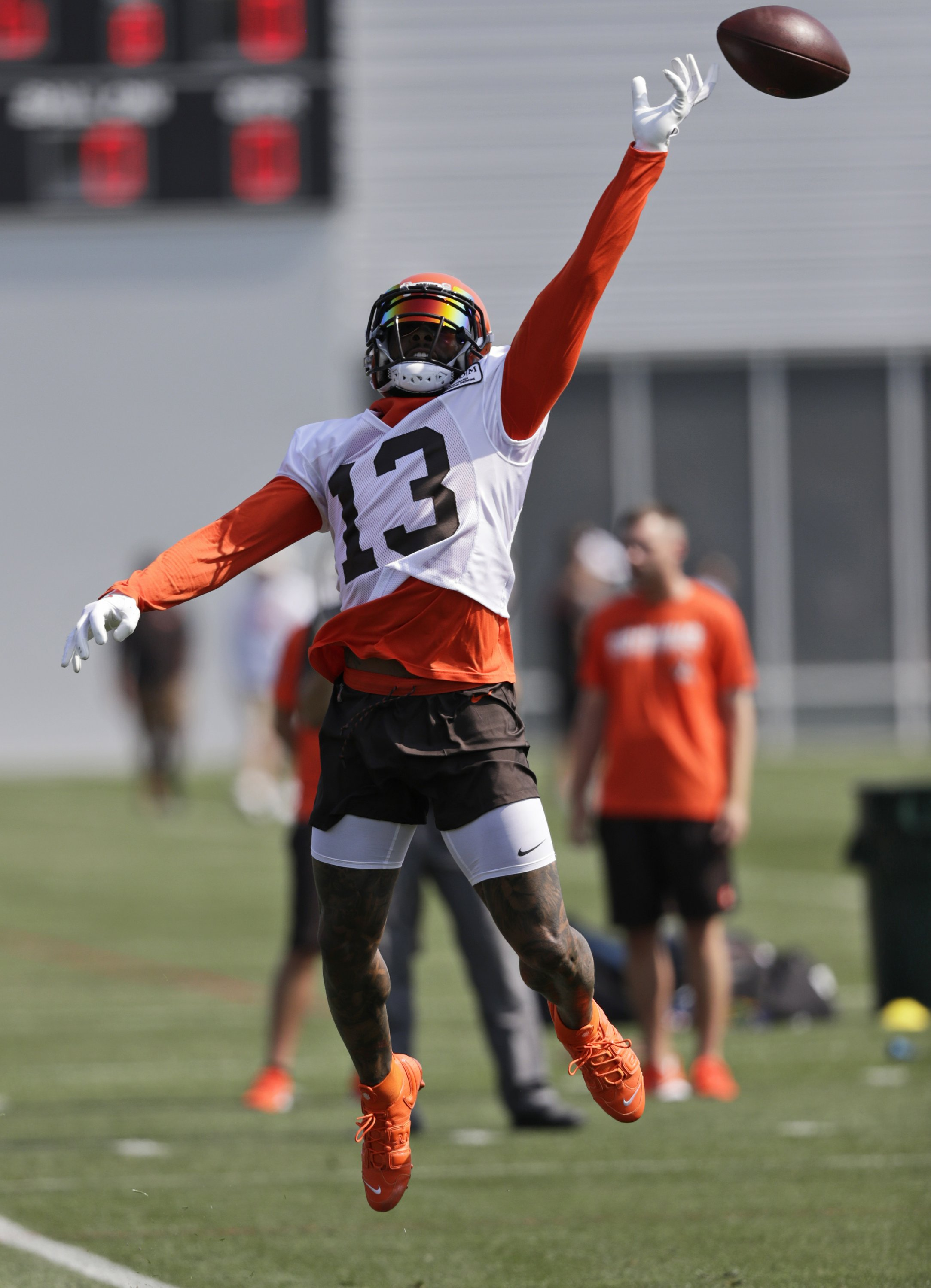 Beckham Puts On A Show As Browns Open Training Camp Extra