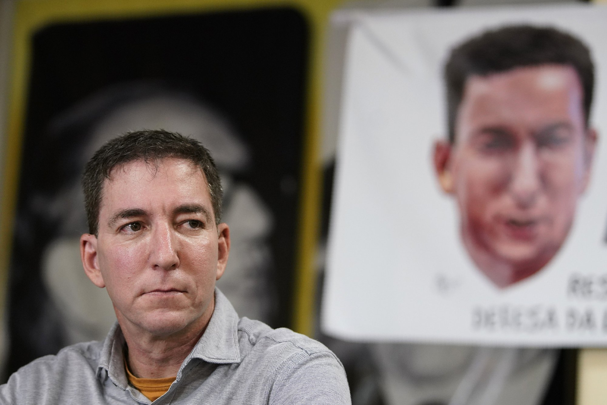 Brazilians show support for American journalist Greenwald