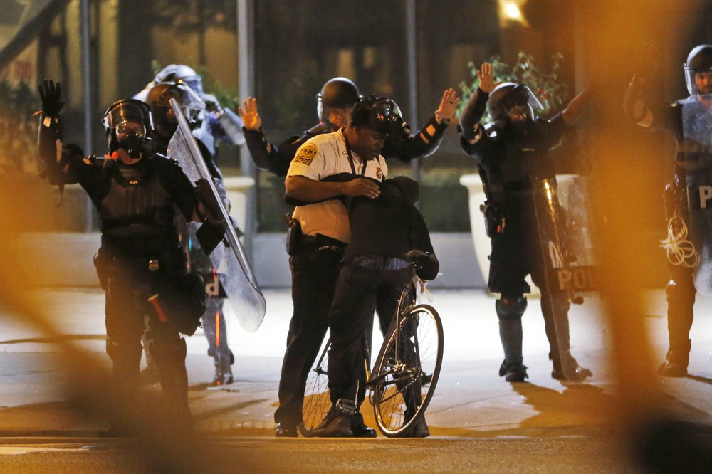 Protests in Richmond, Virginia: Richmond police arrest protesters for violating curfew