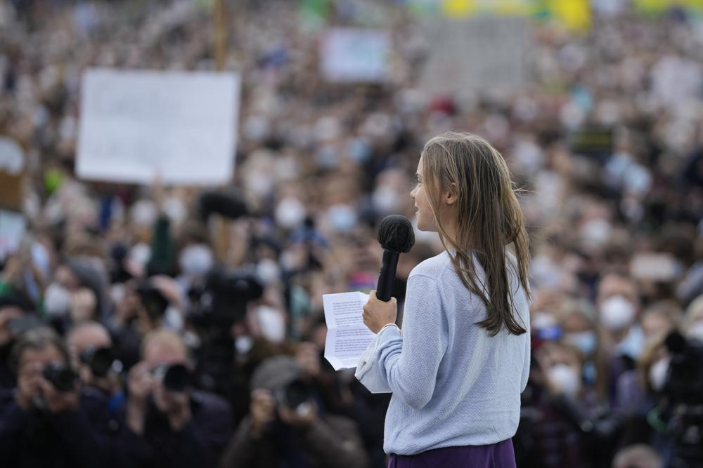 Youth in Germany, Including Greta Thunberg, Take to the Streets to Protest Climate Change for First Time Since Start of Coronavirus