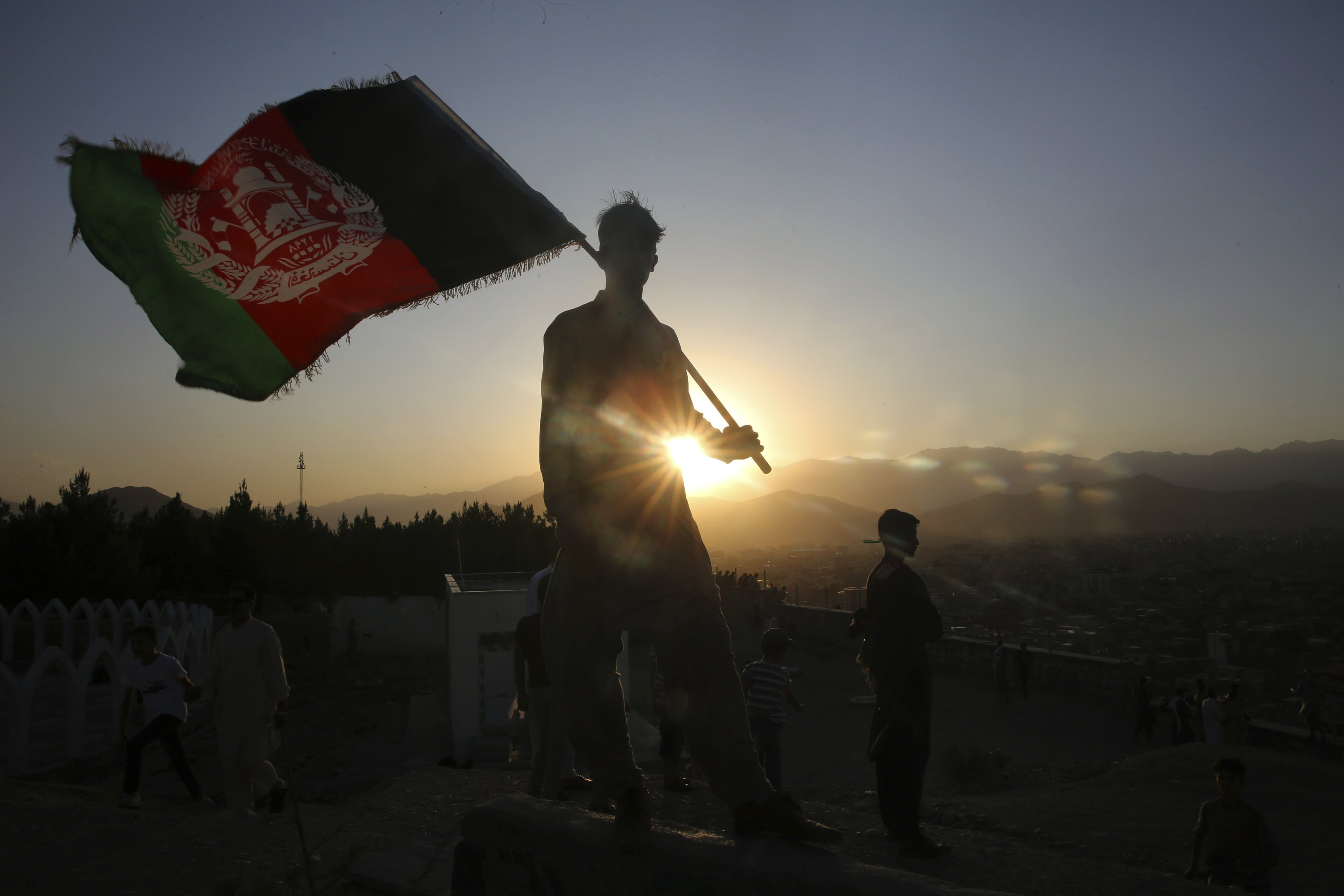 Afghanistan mourns, vows to crush militants after attack