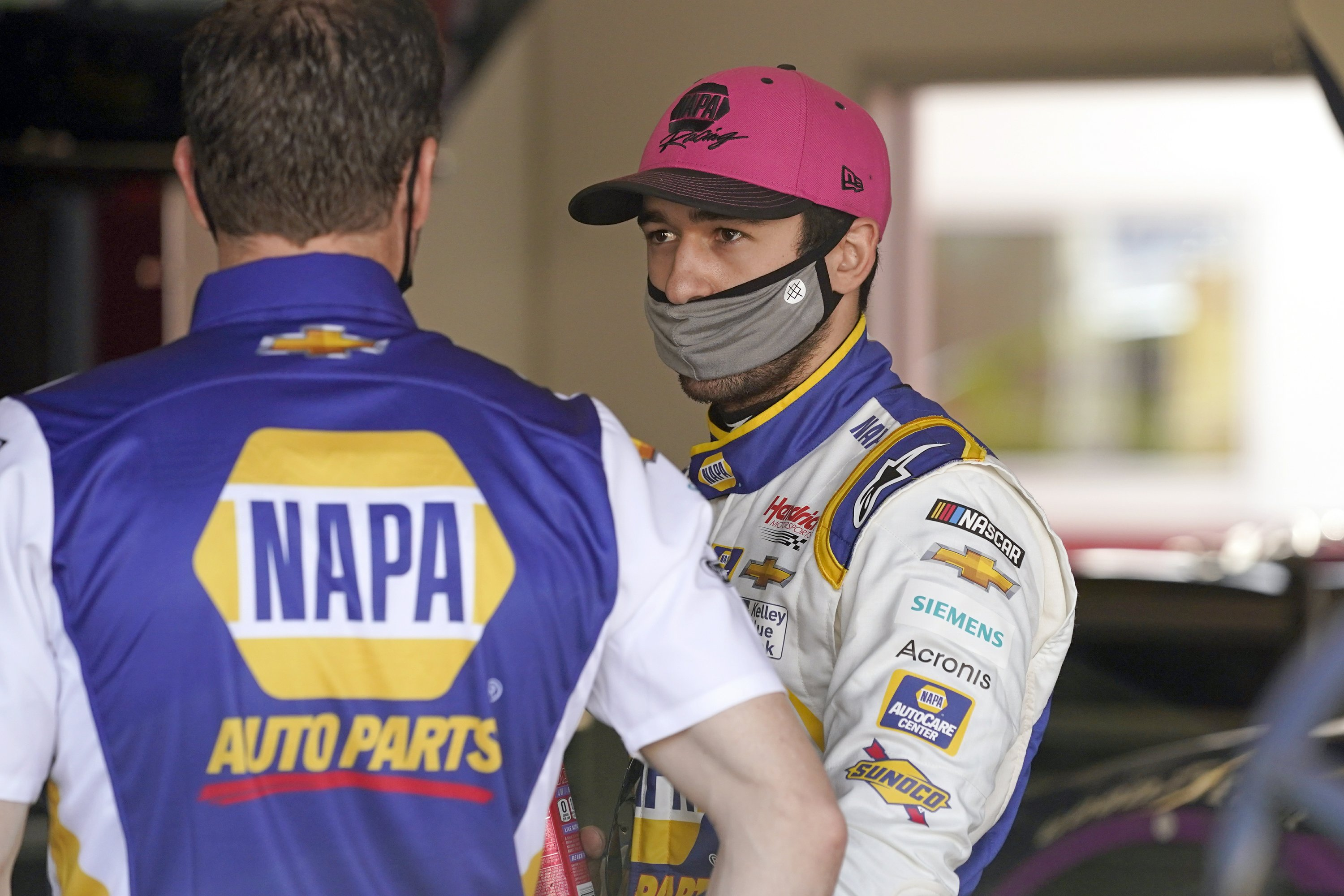 Chasing a repeat: Elliott out for 2nd straight NASCAR title