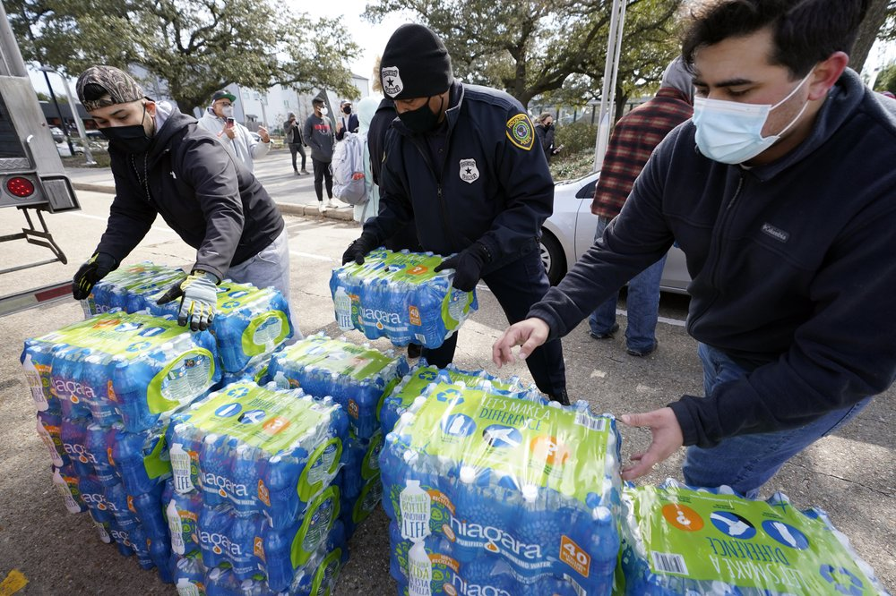 Lights back on in Texas; lack of safe drinking water in the South