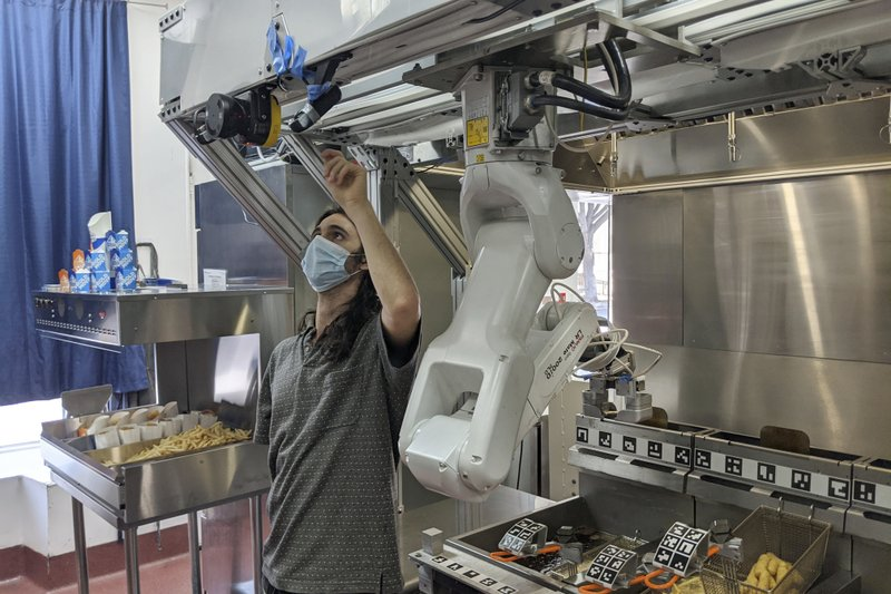 Demand For Robot Cooks Rises As Kitchens Combat Covid 19