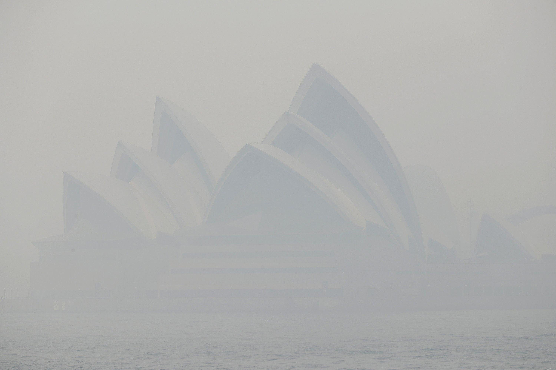 Sydney choked by hazardous haze from Australia bush fires