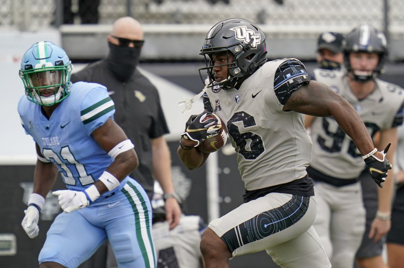 Gabriel throws 5 more touchdown passes in UCF's 51-34 win