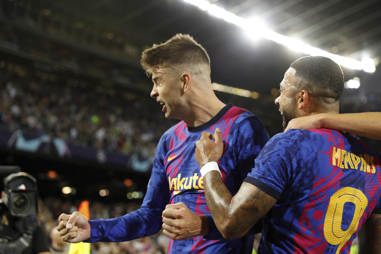 Barcelona hosts Madrid, Sociedad at Atlético on super Sunday - Associated Press