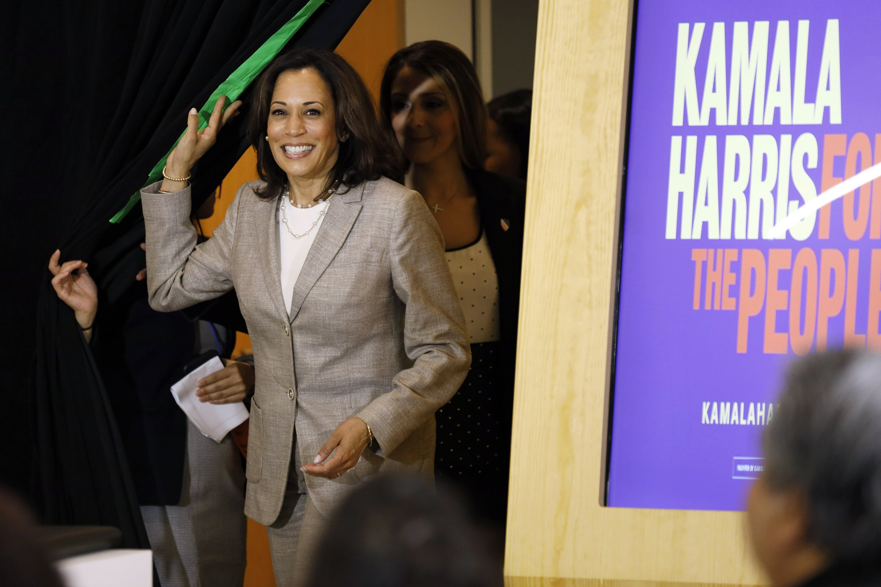 In crowded Democratic field, a clear top tier emerges