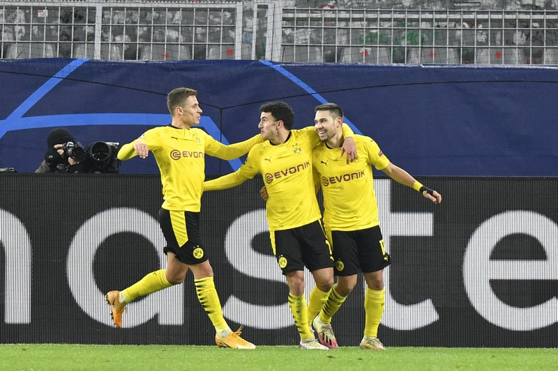 Dortmund Qualifies From Cl Group After Draw With Lazio