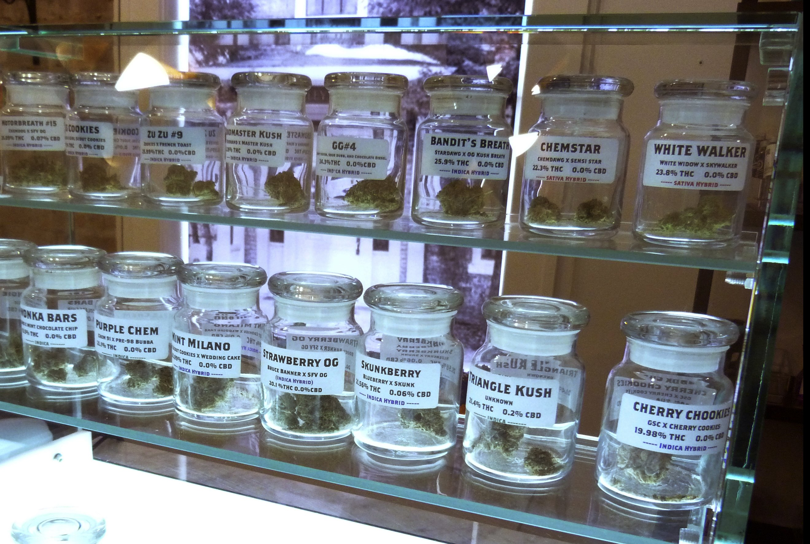 Michigan, Illinois set to usher in recreational pot sales