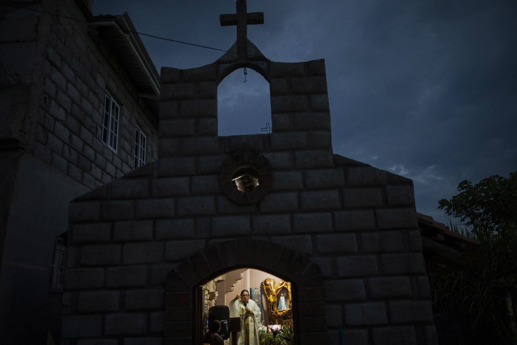 After Mudslide, Honduras Priest Builds a New Town on Narco Land