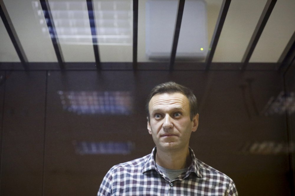 Alexei Navalny's physical health worsens in prison; has trouble walking