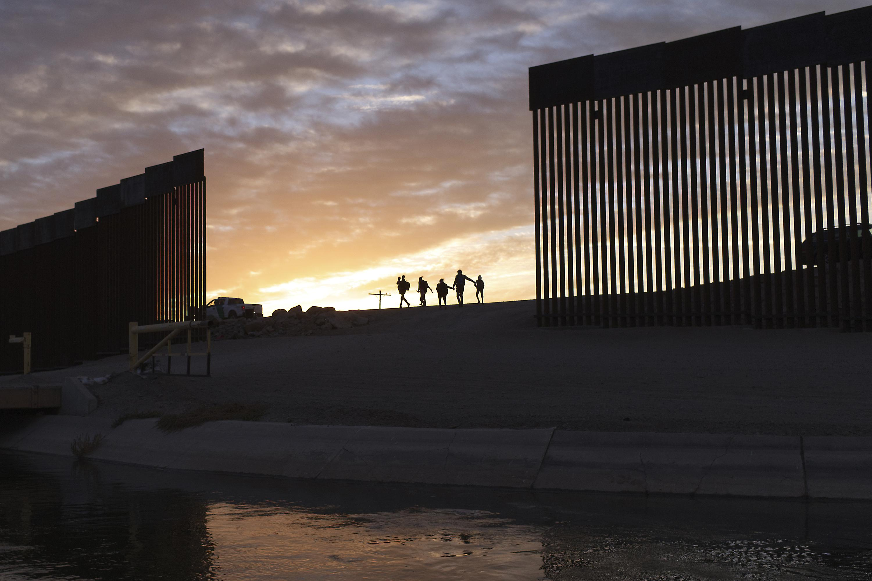 US ends strict Trump-era asylum rules for violence victims