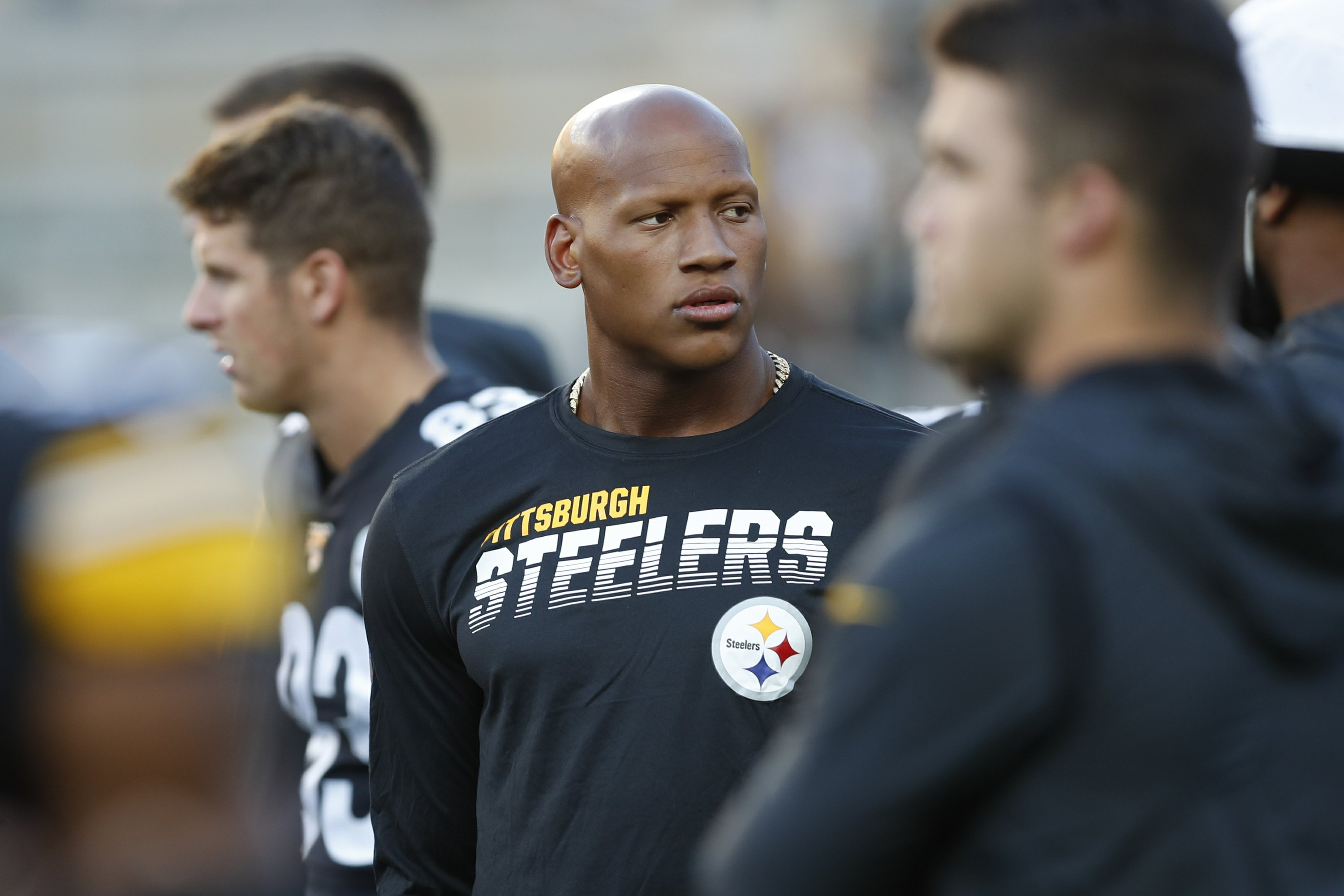 Steelers place LB Shazier on reserve/retired list