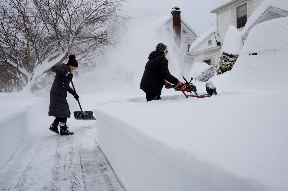 Fast snowfall blankets parts of the Northeast