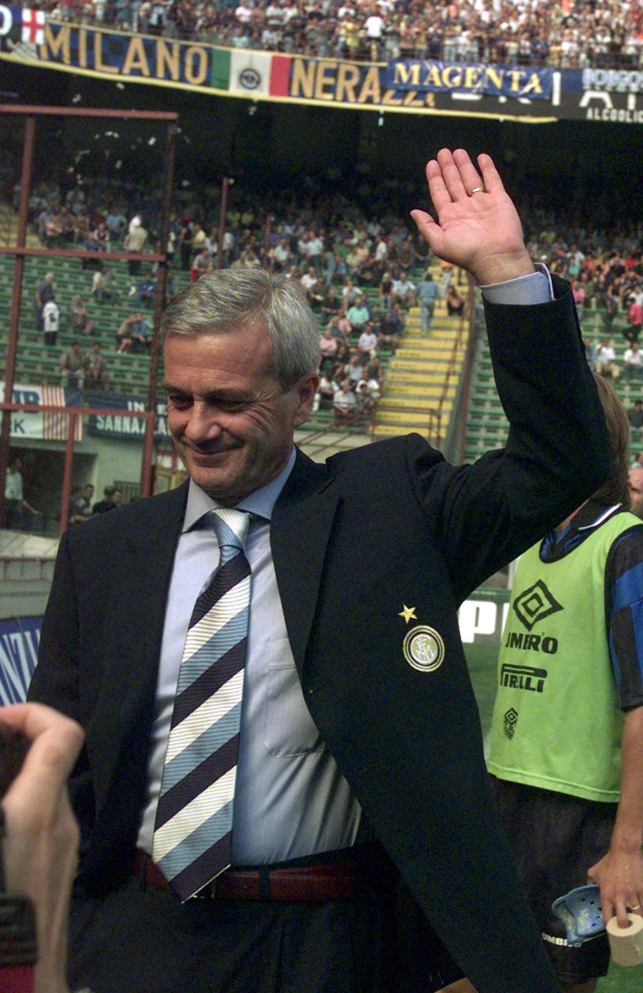 Former Inter coach Simoni still in critical condition